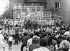 1976 Betriebsfestspiele vor dem AWE-Klubhaus