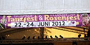 Das Banner über der Hauptbühne