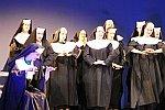 Was können Nonnen so fromm sein...