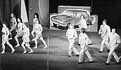 1977 Gesellschaftstanzgruppe im Theater mit modernem Tanz